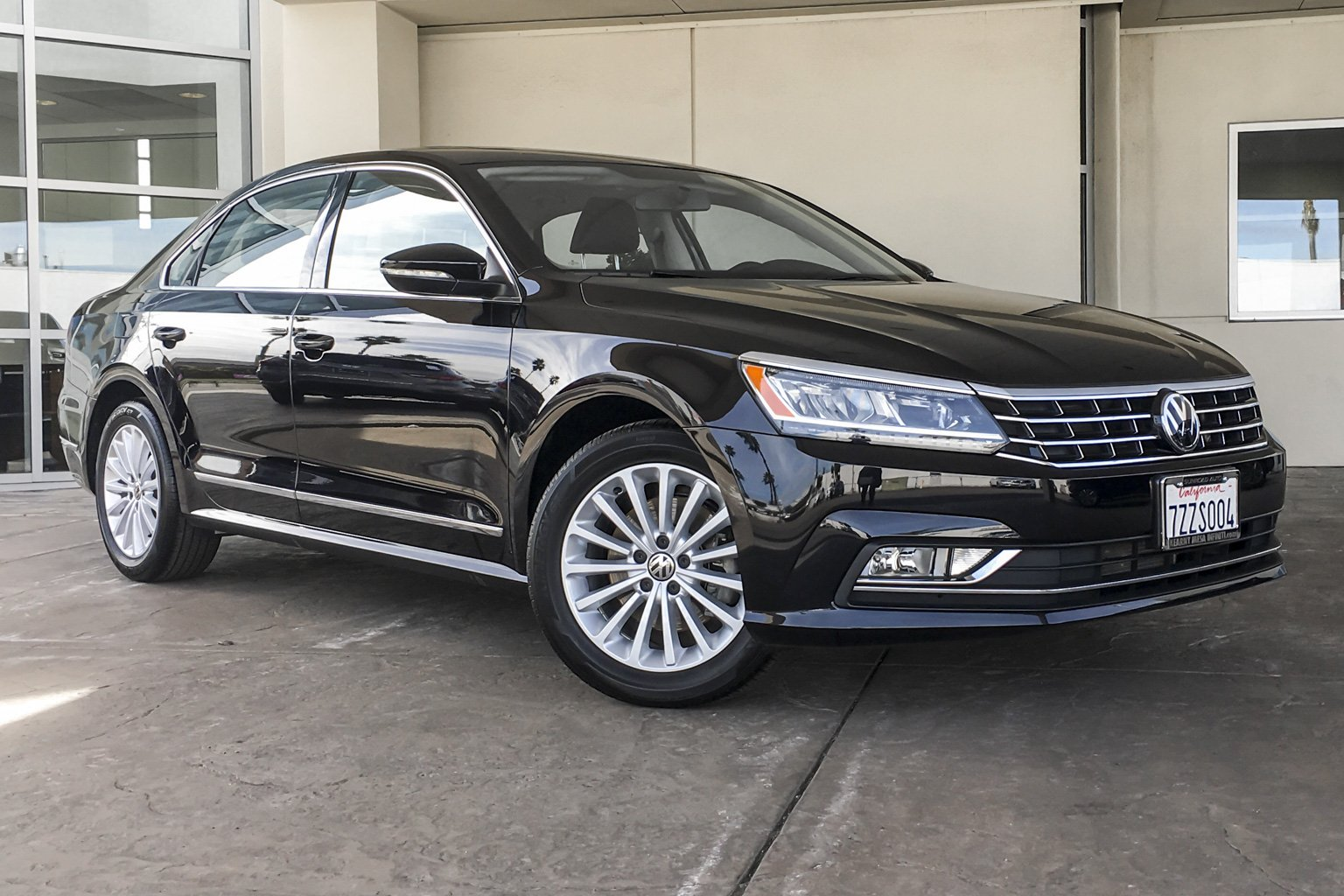 pre-owned 2017 volkswagen passat 1.8t se 4dr car in san diego