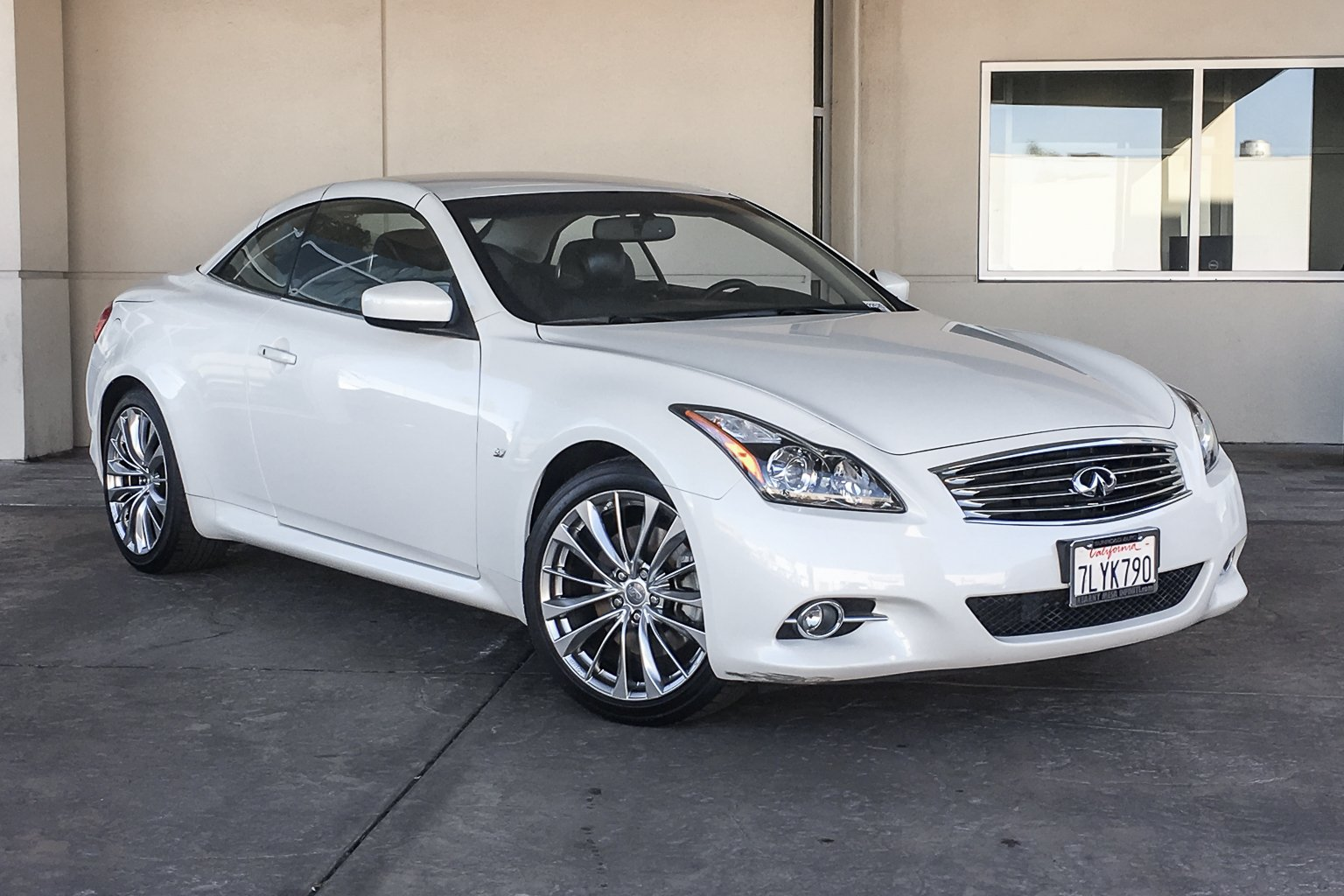 Certified Pre-Owned 2015 INFINITI Q60 Convertible
